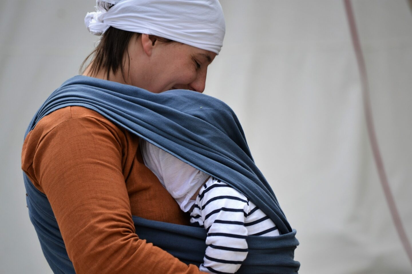 Advantages of Baby Wearing- It's More Than Bonding With Your Baby